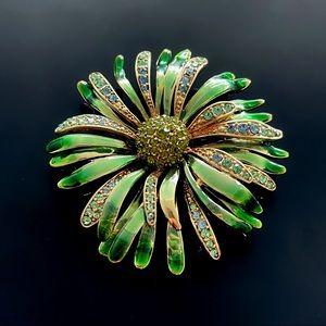 ✨Stunning VTG Italy Green Flower Brooch w crystals